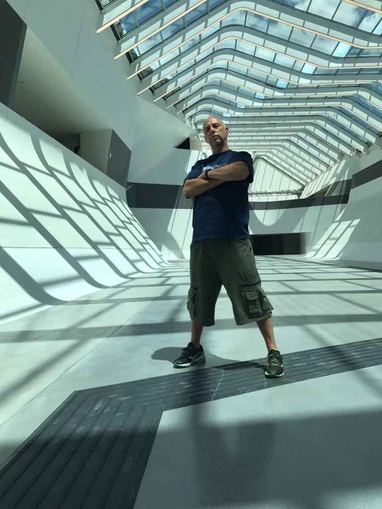 DJ SKIZO | Music Producer Turntable Innovator